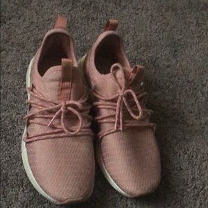 Very comfy cute mauve pink shoes